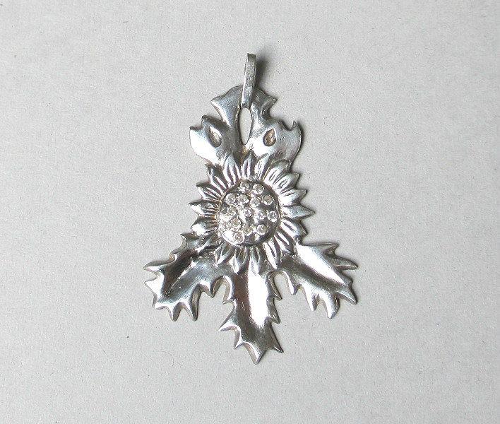 holly leaf pendant