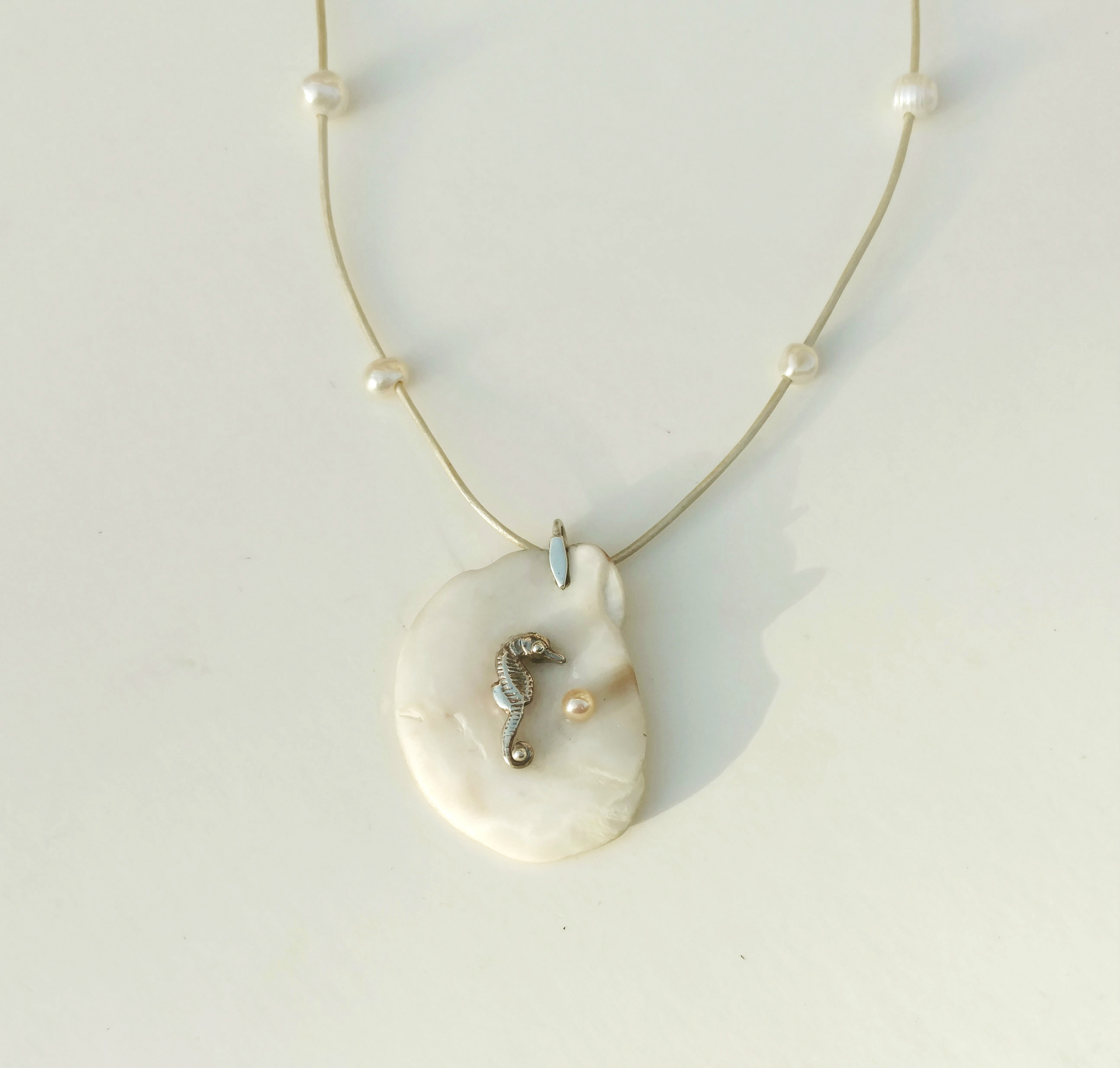 necklace opal mini f seahorse product