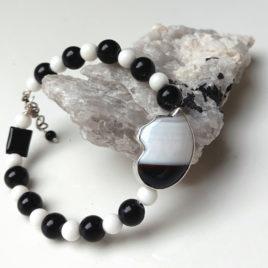 Black white cat bracelet in sterling silver, banded agate