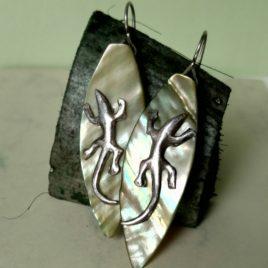 Серьги ящерицы серебро 999 пробы зеленый перламутр