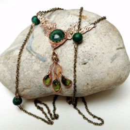 Long chain necklace copper, green agate, peridot, malachite
