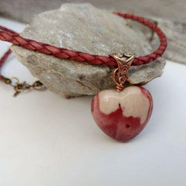 Puffy heart necklace jasper, red leather, copper bronze