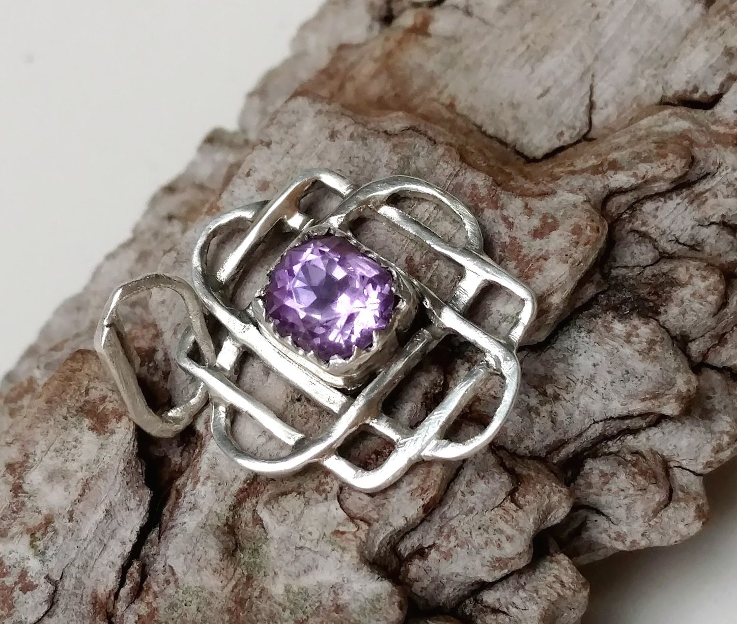 Celtic knot aka Star of Svarog charm with amethyst