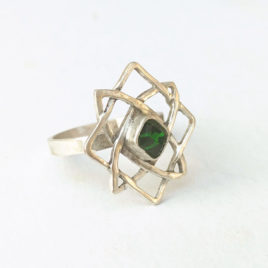 Celtic knot ring chrome diopside silver, Star of Svarog, custom size